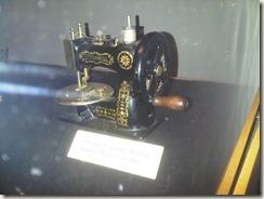 minisewingmachine12