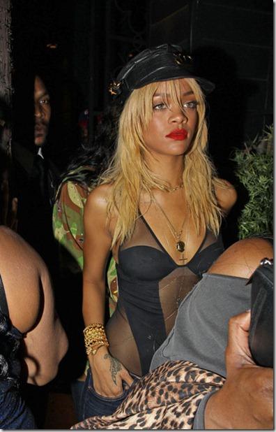 Rihanna Rihanna Leaving Greystone Manor Hollywood DQXDw5ynqYWl