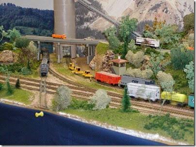 19 Milwaukee Area N-Trak at TrainTime 2003 7