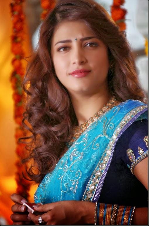 Shruti_haasan_cute_still