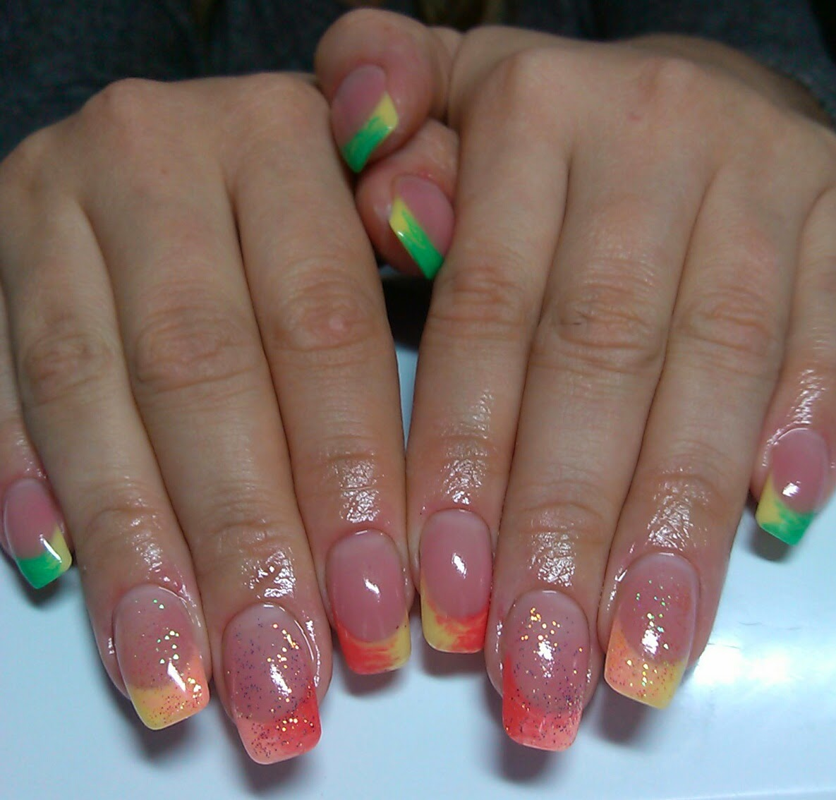 Дизайн ногтей френч цветной с рисунком фото