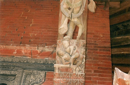 Erotic Nepal: Erotic sculptures on the temples in Patan