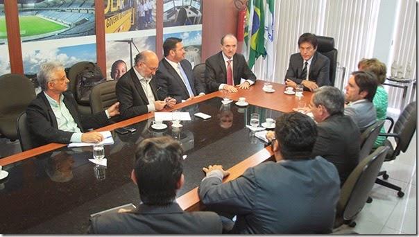 Oiticica Reunião justiça e governo fot Ivanizio Ramos3