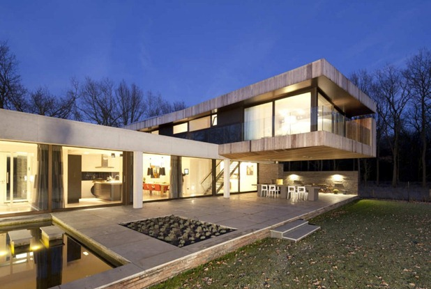 house at the edge of a forest by hilberink bosch architects 4