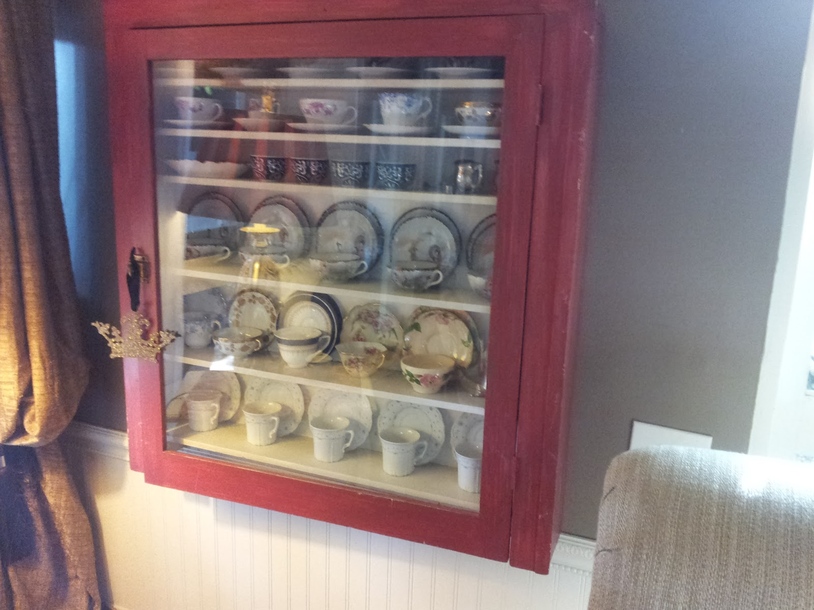 Barnyard RED Vintage Teacup Cabinet... Where have u been all my ...