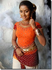 navya_nair_in_dancing_dress