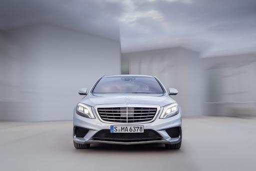 2014-Mercedes-Benz-S63-AMG-15.jpg