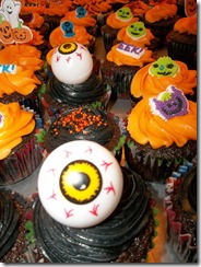 Laura's Fieldtrip cake 070