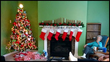 1g - Dec 23 - Getting Ready for Christmas - stockings are hung