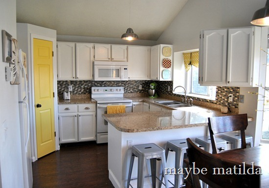 Gray-and-Yellow-Kitchen-Renovation_t