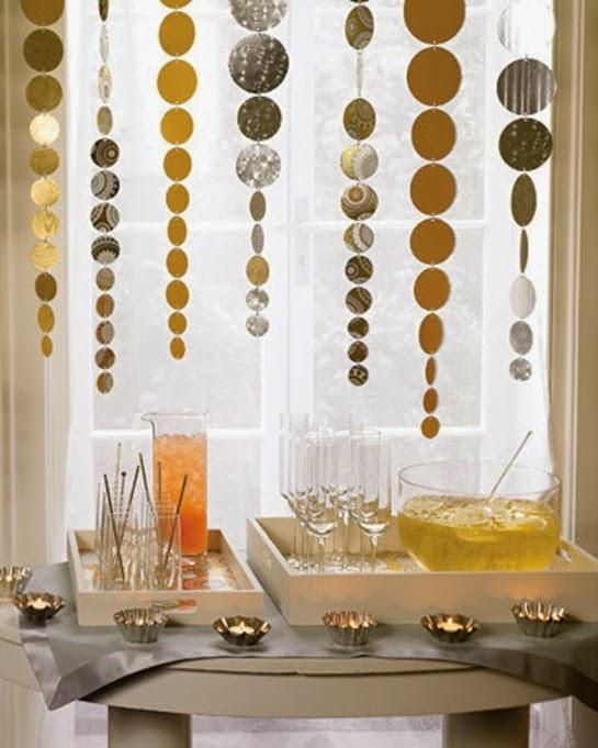golden-handmade-bar-decoration-new-year