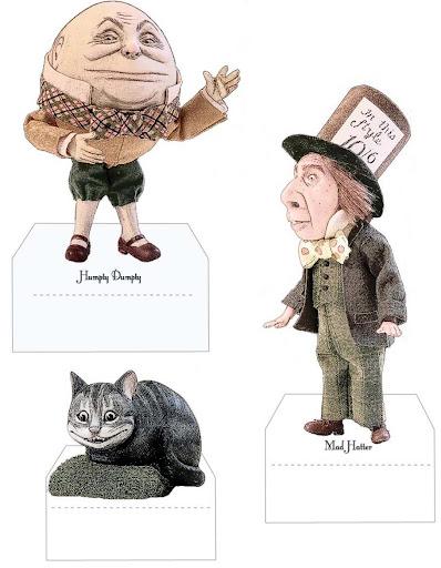 boneca Alice e personagens.JPG