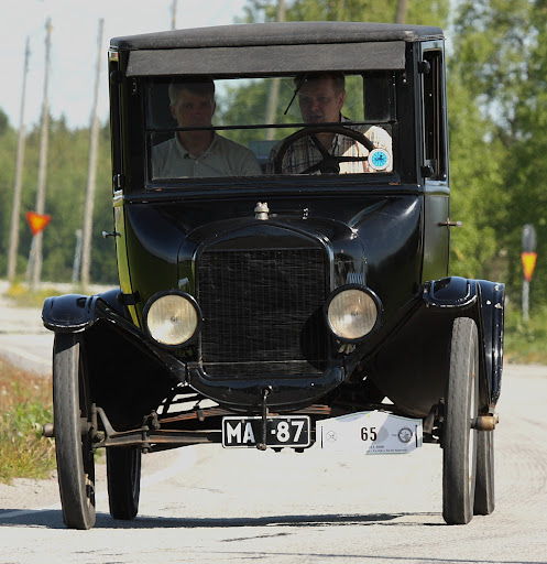 FORD T COUPE -- 1923