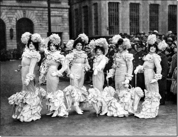 Dumont-Club---Mummer's-Parade---1931