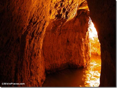 Hezekiah's-Tunnel,-tb051803206-bibleplaces