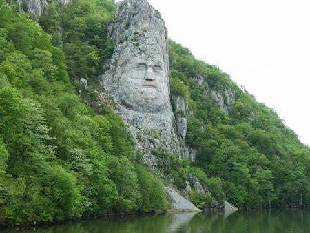 2. Statuia lui Decebal.JPG