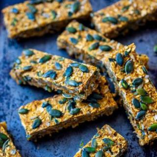 Simple Pumpkin Oat Energy bars