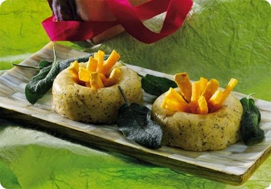 Ciambelline di polenta nera con zucca e salvia fritte