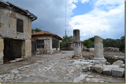 Stratonikeia village house and ruin