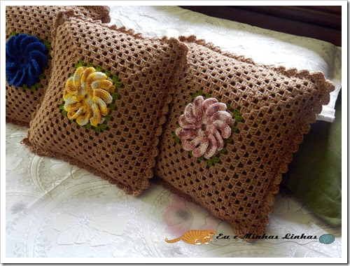 Almofada Croche Flor Lã 1b
