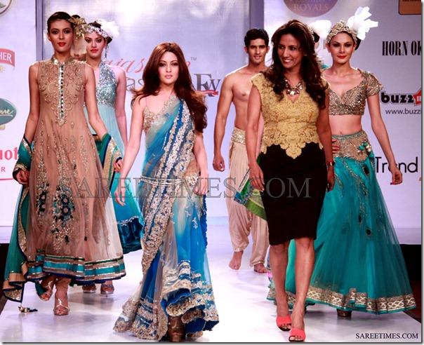 Riya_Sen_&_Pam_Mehta_Saree