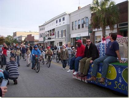 Beaufort_parade_bicycles (Medium)_thumb[2]