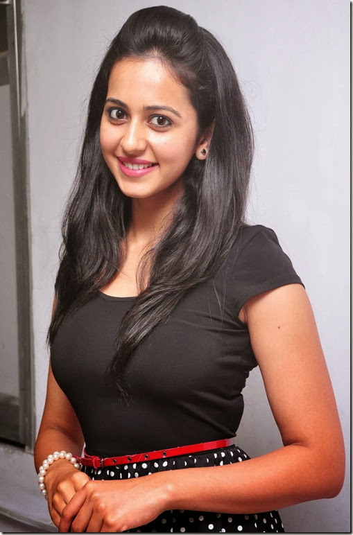 rakul_preet_singh_stylish_photos