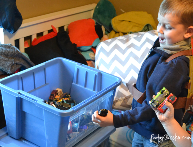Organizing Toys with #RubbermaidAllAccess