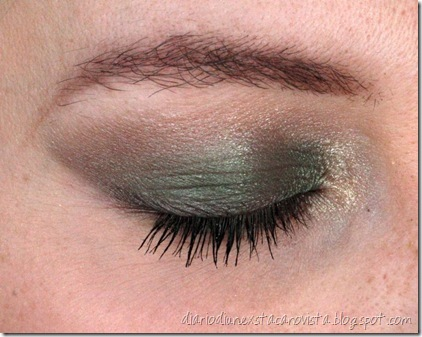 Sleek beach party eye
