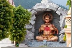 hanuman_statue_in_rishikesh