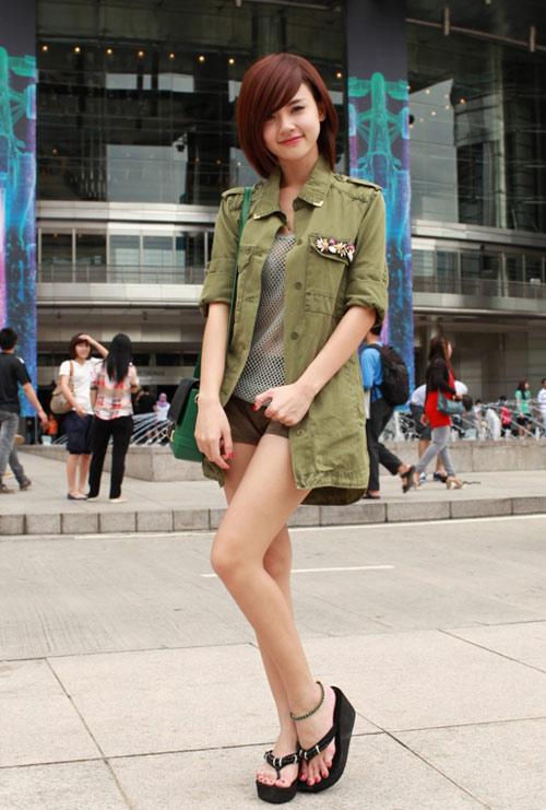 Hot girl Midu tự tin tạo dáng tại Malaysia