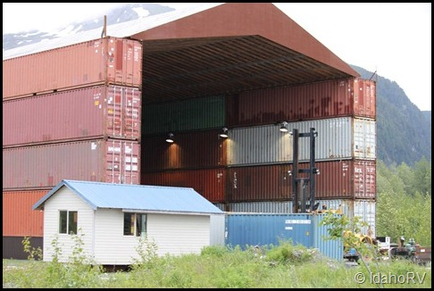Building-with-Shipping-Cont
