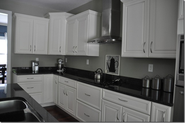 Kitchen cabinet lighting