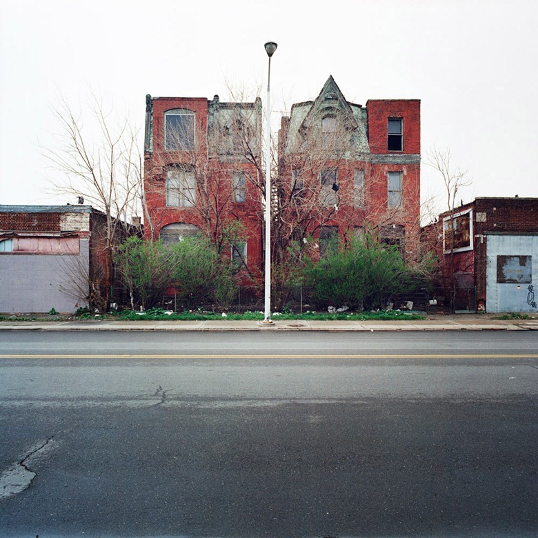abandoned-detroit-homes11