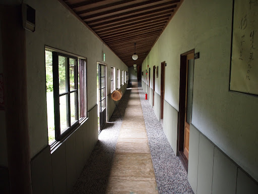[写真]姥子温泉秀明館の廊下