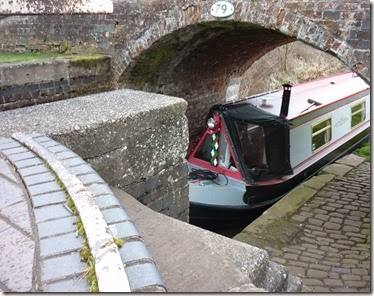 16 entering weston lock