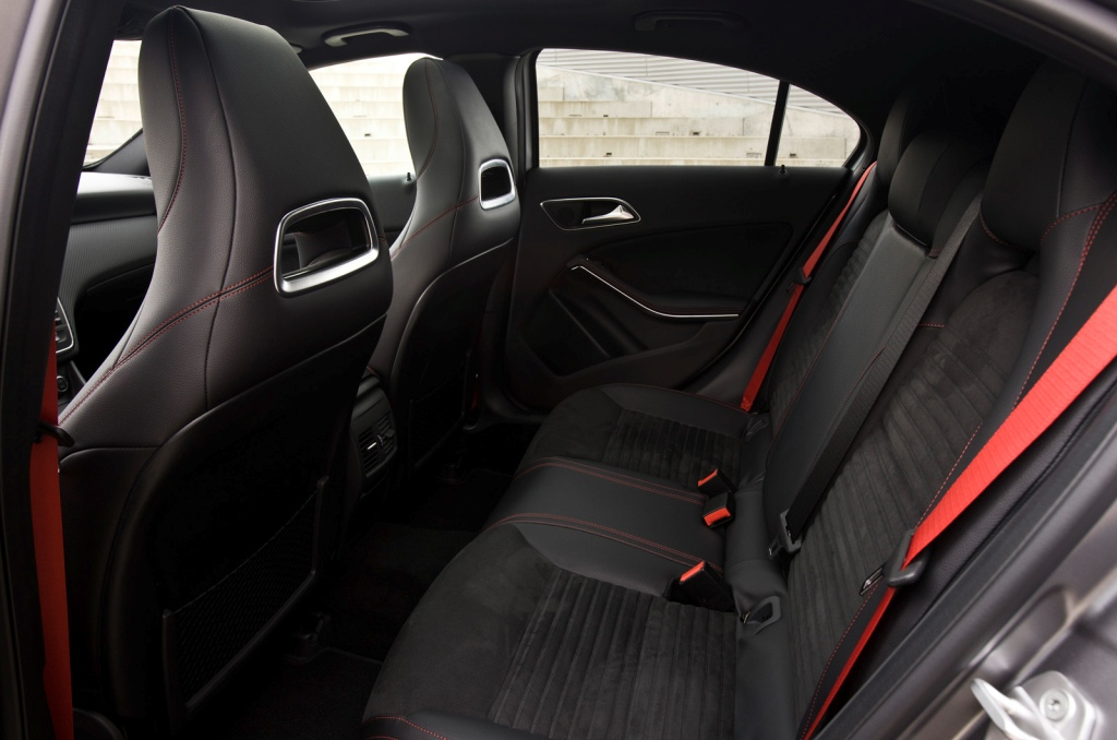 2013-Mercedes-A-Class-Interior-9.jpg?imgmax=1800