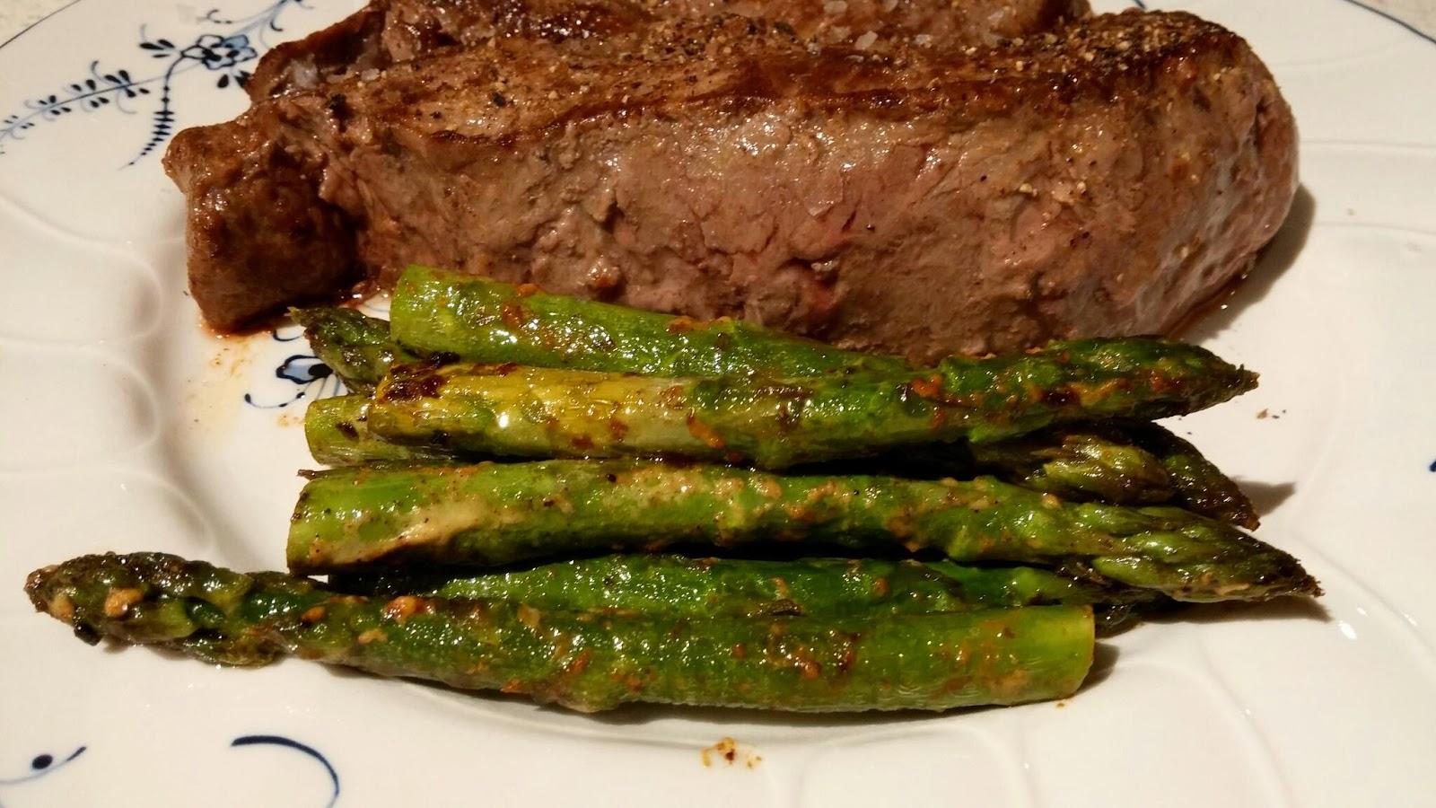 tilberede asparges sennep