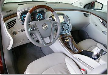 2010_Buick_LaCrosse_interior-4ddde55cb48e5