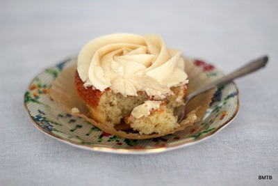 Baileys White Chocolate Cupcakes by Baking Makes Things Better (2)