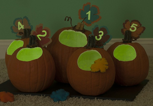 glow in the dark pumpkin game