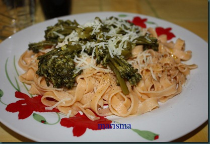 pasta fresca al tomate con brócoli,racion1 copia