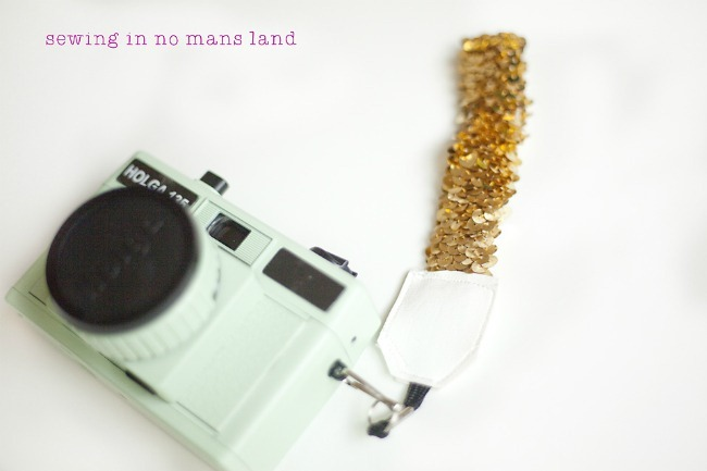 camera wristlet tutorial
