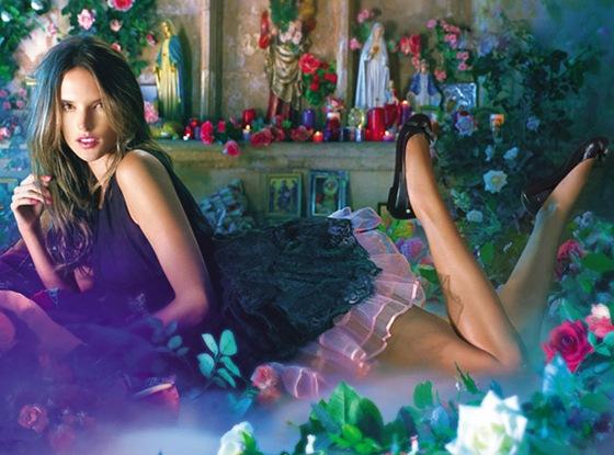 Melissa e Alessandra Ambrósio em parceria na linha Plastic Paradise.