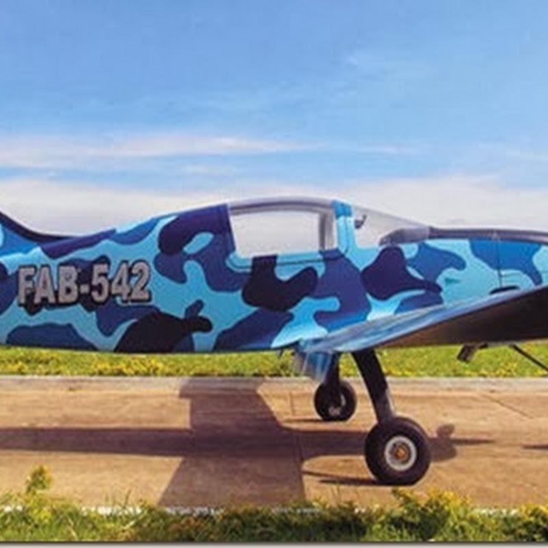 La FAB construyó las 2 primeras aeronaves de entrenamiento
