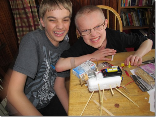 Send Your Kids to Science e-Camp with Supercharged Science!  Enrollment for Supercharged Science Summer e-Camp opens TODAY!  #homeschool fun  #ad www.sciencelearningspace.com/members/go.php?r=2303&i=l43