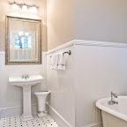 Azalea Suite Bath.jpg