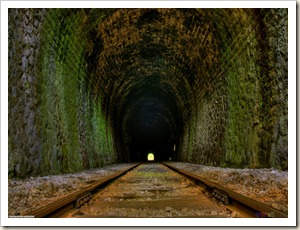 the_light_at_the_end_of_the_tunnel_1280x960