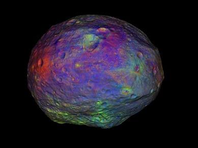 o asteroide Vesta em cores