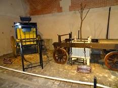 2015.04.06-009 voiture à gibier et voiture à orangers au musée des équipages